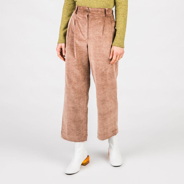 Light brown high waisted culottes with wide leg.
