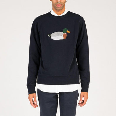 Relaxed fit navy blue sweatshirt with duck embroidery.