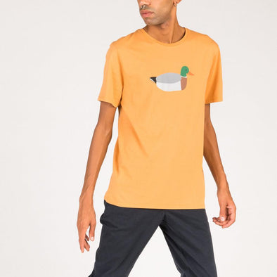 Relaxed fit yellow t-shirt with duck embroidery.