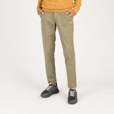 Classic chino pants in khaki twill fabric.
