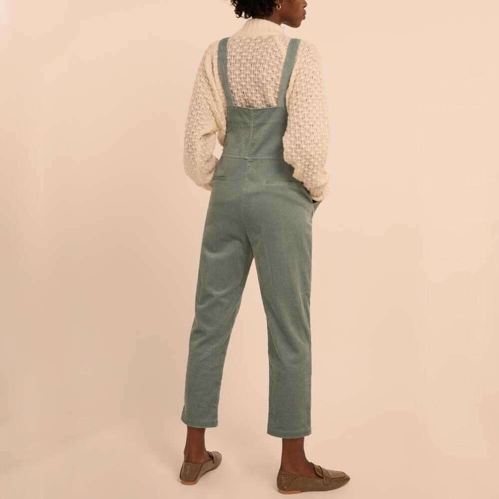 Regular fit shore green overalls with side pockets.