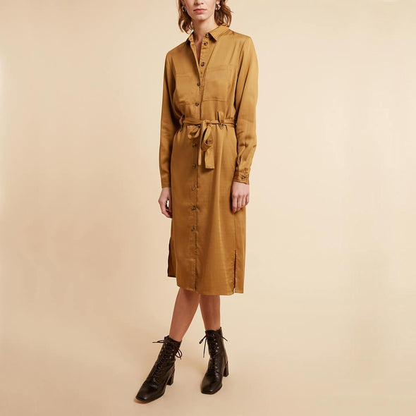 Midi mustard shirt dress with two chest pockets and a belt.