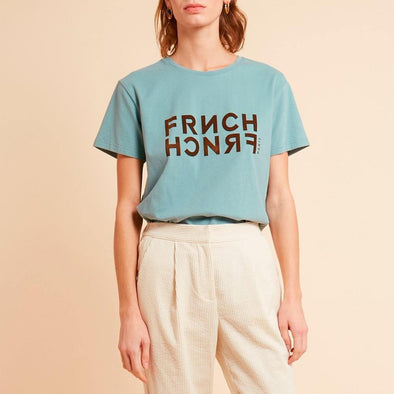Light blue regular fit classic t-shirt featuring the brand's logo in velvet letters.