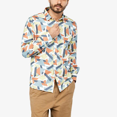 Longsleeved shirt with all-over-print and matching front buttons.