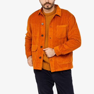 Shirt jacket with classic collar straight hem and two large flap pockets and chest pocket.