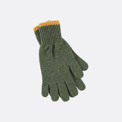 Lambwool grey gloves.