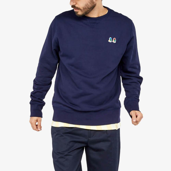 100% cotton sweatshirt with embroidery on the chest.