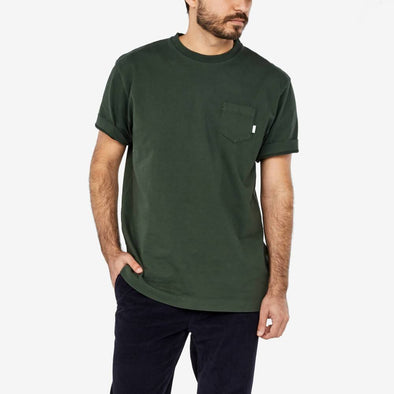 T-shirt with a patch pocket on the chest and neck and ribbed cuffs.