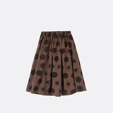 Mid length skirt with elastic waist with pattern.