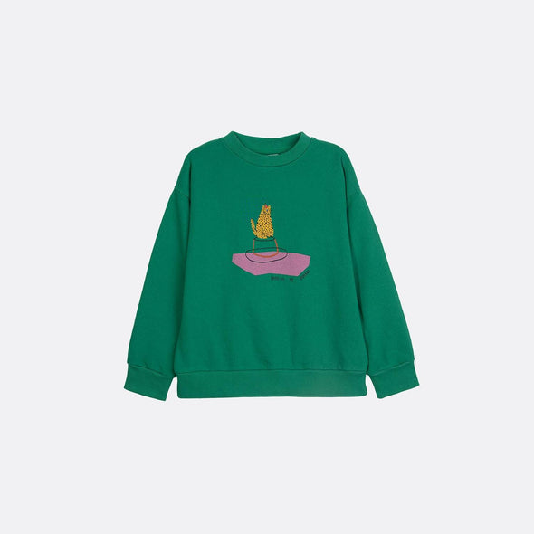 Round neck longsleeve basic green sweatshirt with garment dye and frontal print.