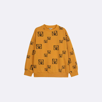 Round neck longsleeve basic yellow sweatshirt with garment dye and all over print.