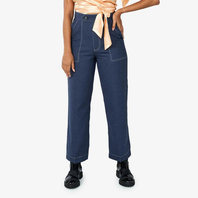 High waisted straight cut pants in blue wool.