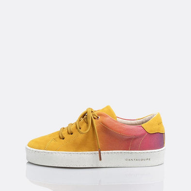 Low top yellow sneakers in suede with degradé detail.