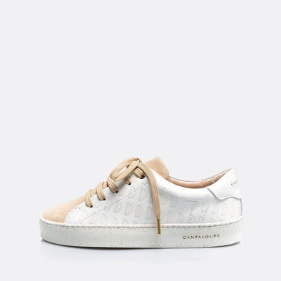 Low top white and beige sneakers in leather and suede with detail cantaloupe print.