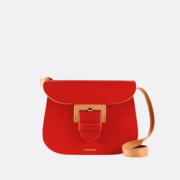 Lava red saddle bag with three compartments and the perfect size.