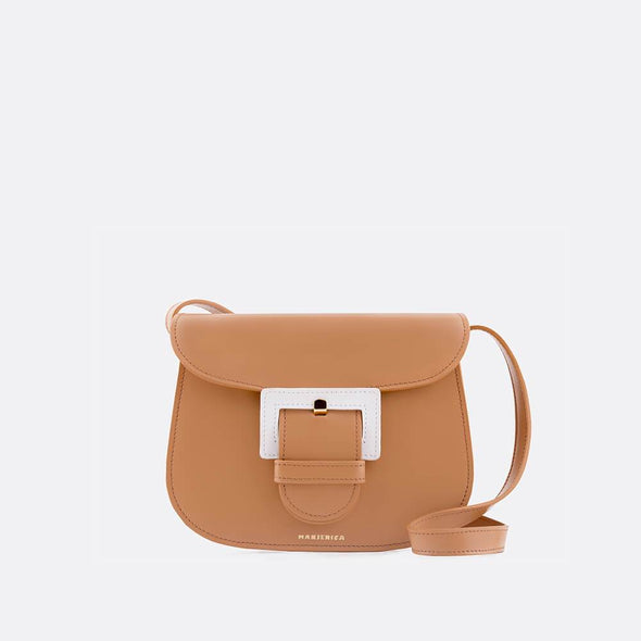 Beige saddle bag with three compartments and the perfect size.