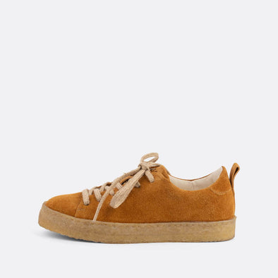 Camel casual derbies with a front lace-up closure and an almond-shaped toe.