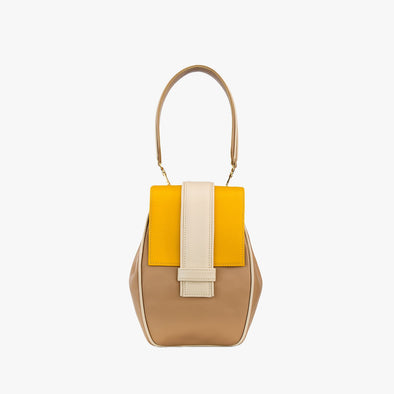 Geometrical backpack in beige leather with yellow flap