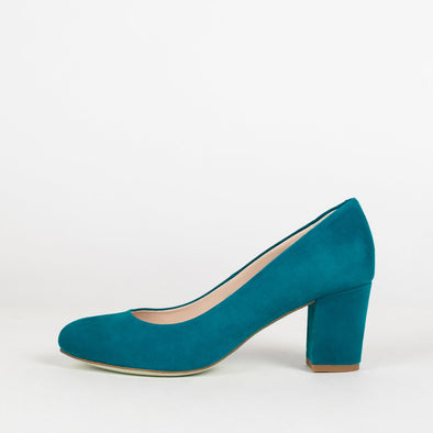 Minimalist rounded toe pumps with medium block heel in blue teal suede