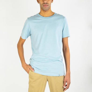 100% organic cotton regular fit blue tee with a round neck.