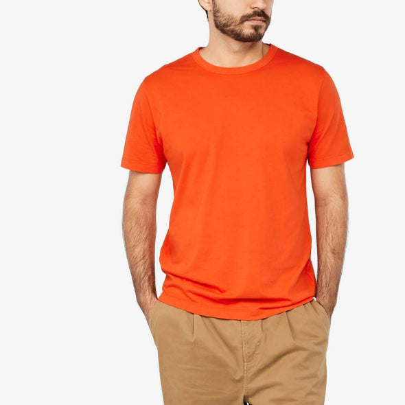 Crew neck regular t-shirt in orange.