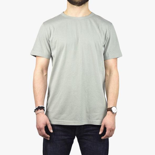 Relaxed fit grey t-shirt.