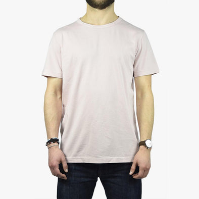 Relaxed fit pink t-shirt.
