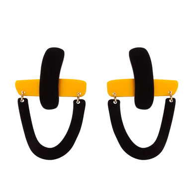 Original yellow and black earrings to transform both your look and mood. Free shipping to selected European countries.