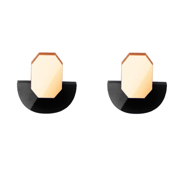 Original golden and black earrings to transform both your look and mood. Free shipping to selected European countries.