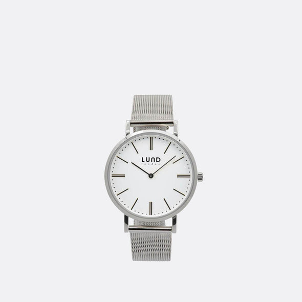 Silver metal mesh watch with 39mm silver dial.