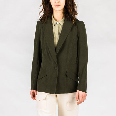 Deep green blazer with two side pockets.