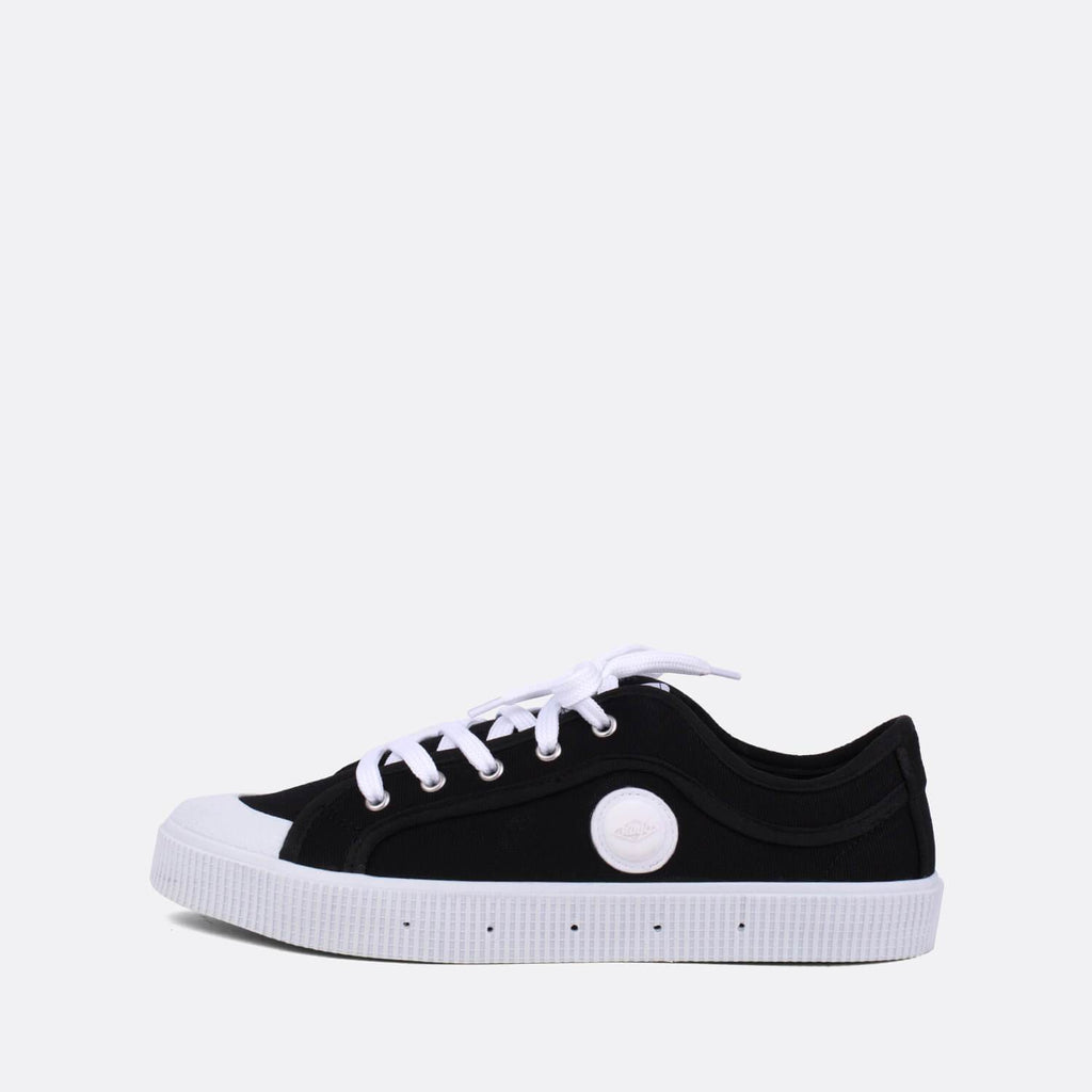 Iconic low-top sneakers in black canvas.