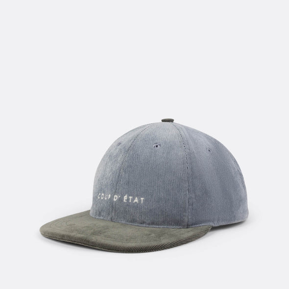 Label cap in grey and green.