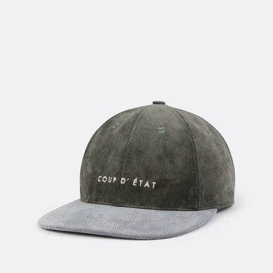 Label cap in grey, green and lilac.