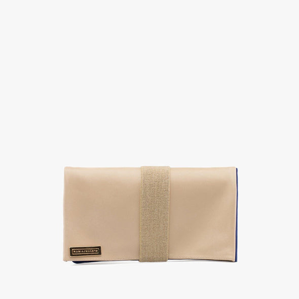 Geometric minimalist reversible clutch with beige elastic, one face in beige leather and another in electric blue nubuck