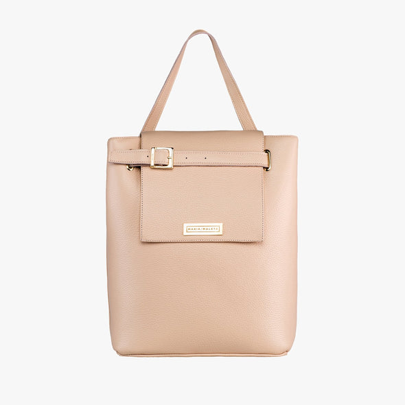 Bucket-style bag in nude leather with fold flap and buckle strap that can be adjusted