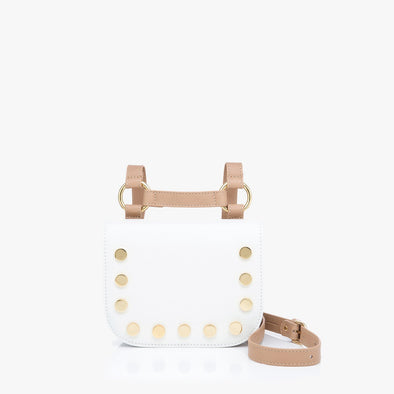 Geometrical small bag in white leather with golden rounded tacks with H-shaped adjustable strap