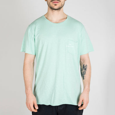 Light green t-shirt with short sleeves, round neck and '+351 small pocket on the front.