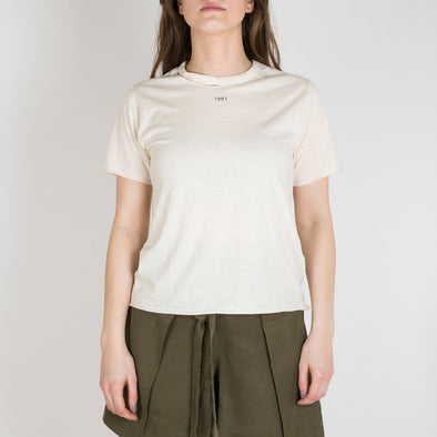 Ivory t-shirt with short sleeves, round ripped neck and '+351 small pocket on the front.