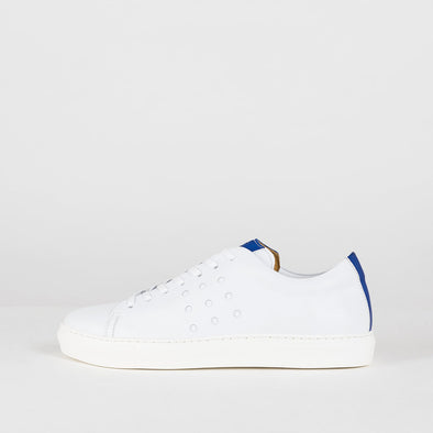 Classic lace-up sneakers in white leather with perforation details and cobalt blue leather tongue