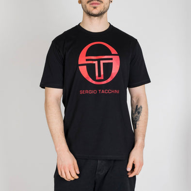 Cotton t-shirt for leisure wear and training with graphically processed logo in the centre of the chest.