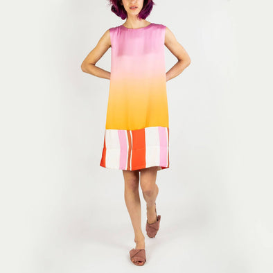 Sleeveless short dress featuring a combination of two fabrics.