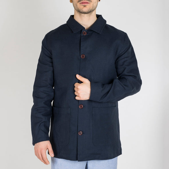 Mid-length jacket made from a lightweight, breathable linen.