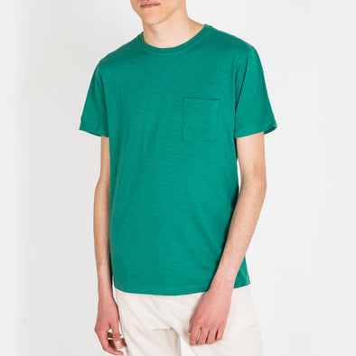 Short sleeved crew neck t-shirt with small chest pocket.
