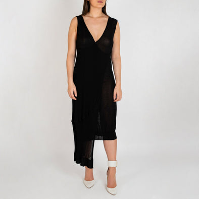 Black asymetric knitted dress.
