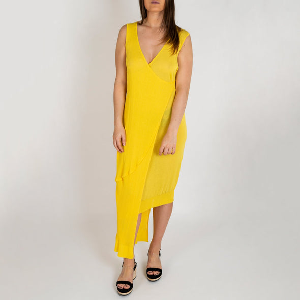 Yellow asymetric knitted dress.