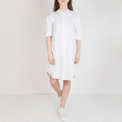 Airy long sleeve shirt dress in a lovely poplin quality.