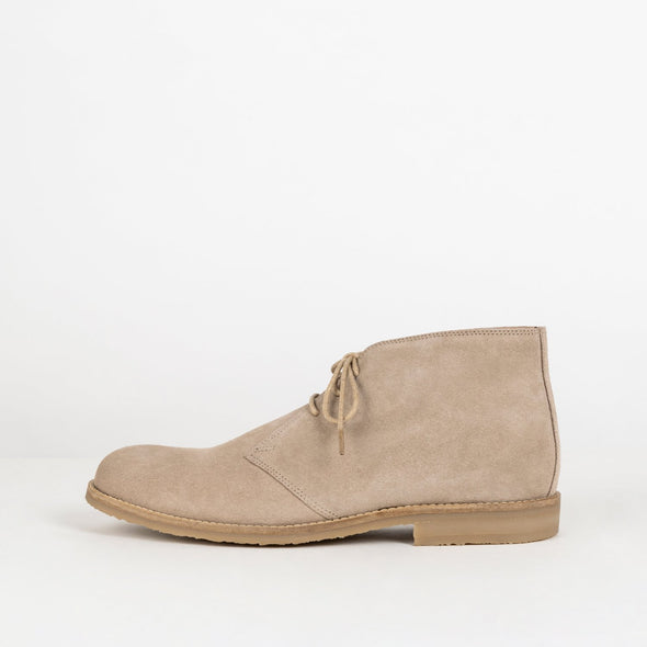 Military sand suede chukka boots with insole leather and rubber comfortable sole.