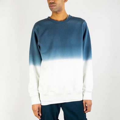 Degradé crewneck in navy blue and off-white.
