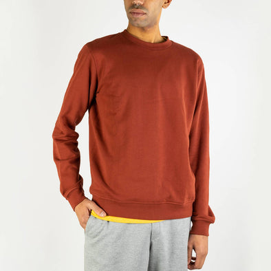 Redwood regular fit sweatshirt with a contrast logo was embroidered on the left bottom.